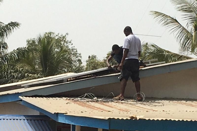 Foequelleh Clinic solar installation in progress